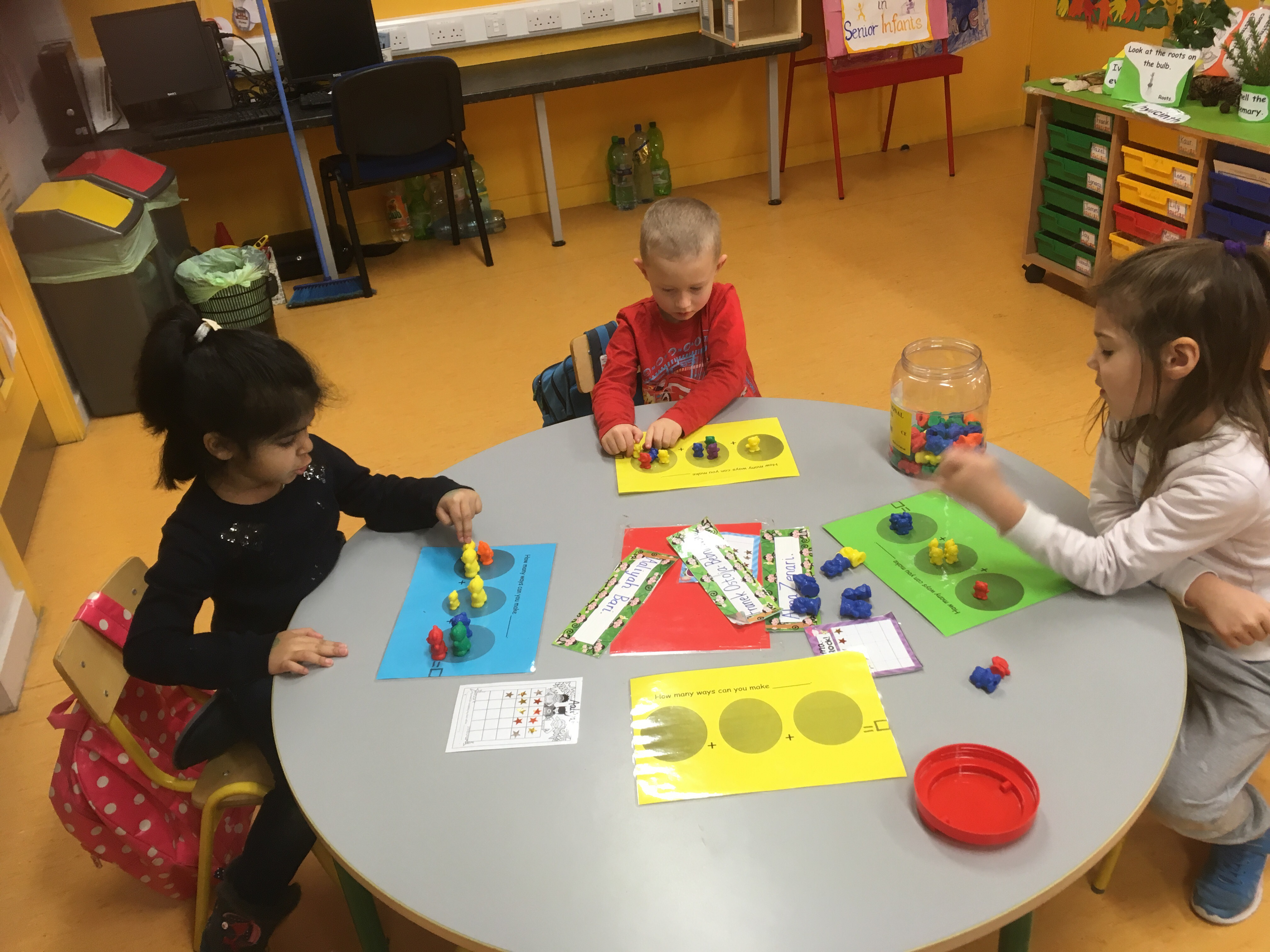 Learning numbers through concrete materials  - Welcome